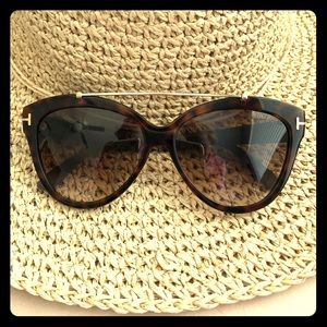 😎Tom Ford sunnies☀️ Genuine TF sunglasses 😎